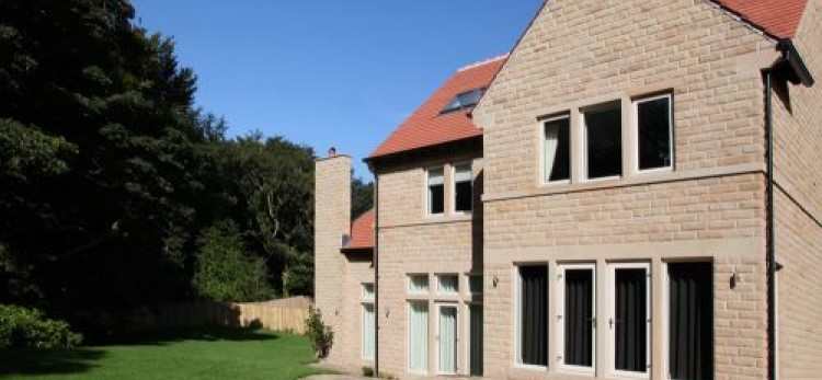 Lockwood Windows deliver at exclusive Delamere Gardens Development